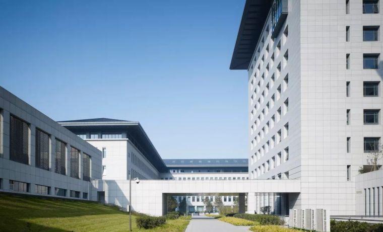 西安市行政中心|中国建筑学会建筑创作大奖_4
