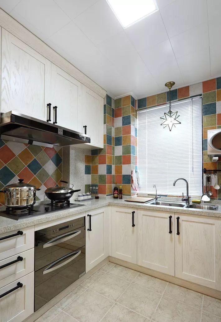 现在厨房瓷砖已经不流行通铺了!_3