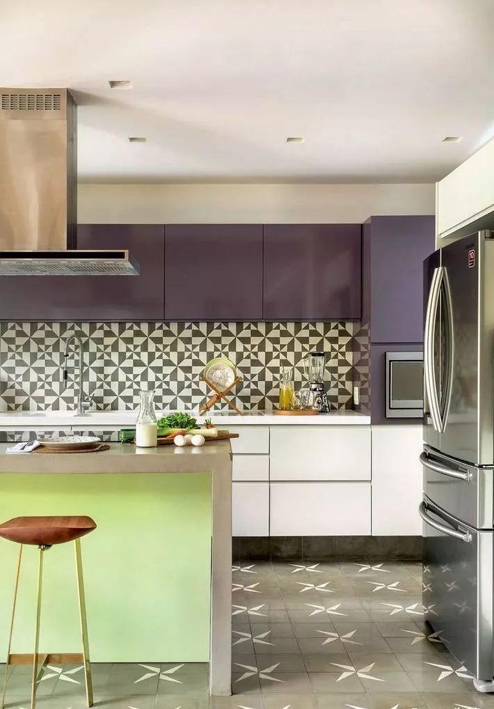现在厨房瓷砖已经不流行通铺了!_6
