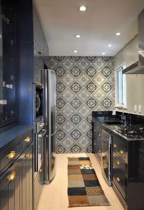 现在厨房瓷砖已经不流行通铺了!_7