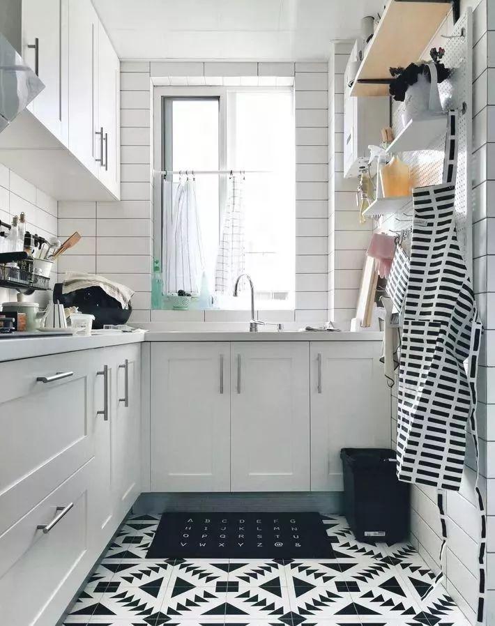 现在厨房瓷砖已经不流行通铺了!_12