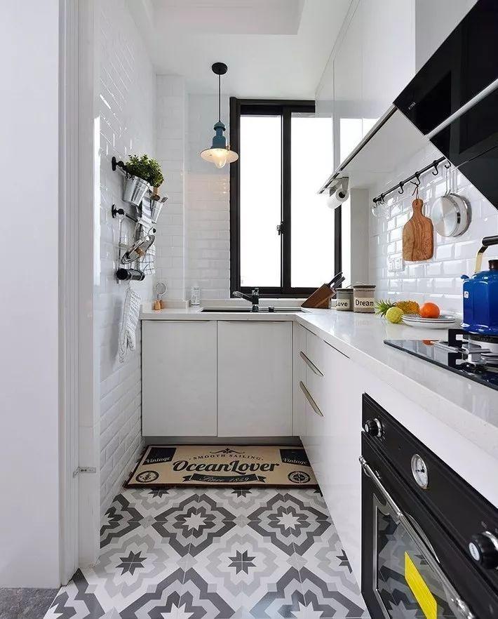 现在厨房瓷砖已经不流行通铺了!_13