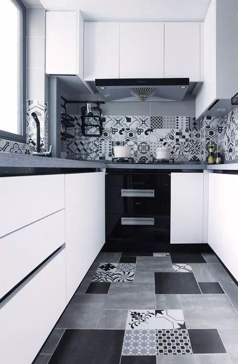 现在厨房瓷砖已经不流行通铺了!_16
