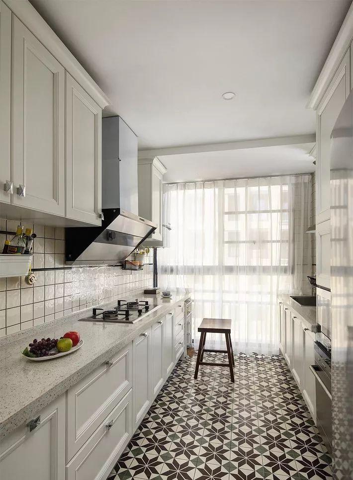现在厨房瓷砖已经不流行通铺了!_15