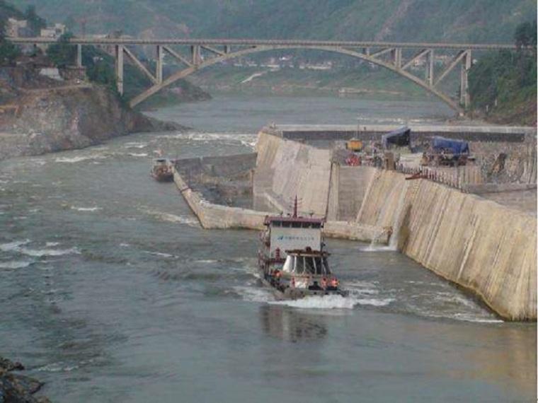 大坝导截流明渠施工方案