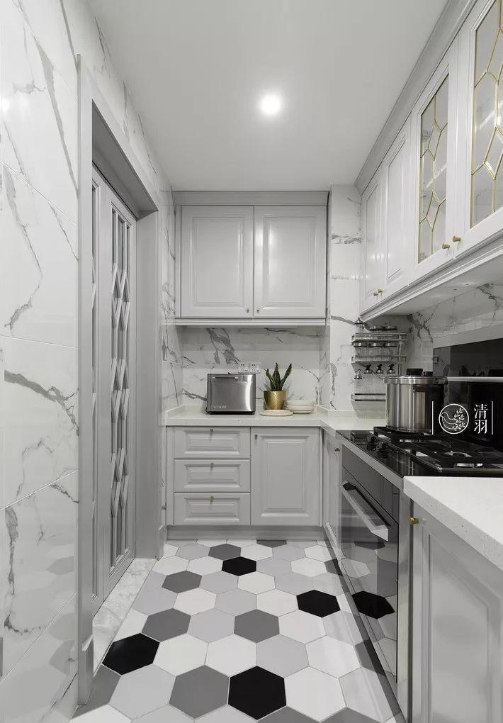 现在厨房瓷砖已经不流行通铺了!_20