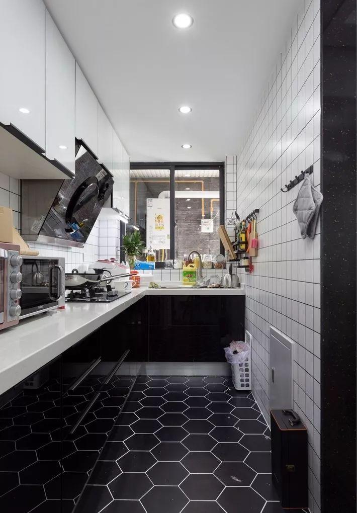 现在厨房瓷砖已经不流行通铺了!_22