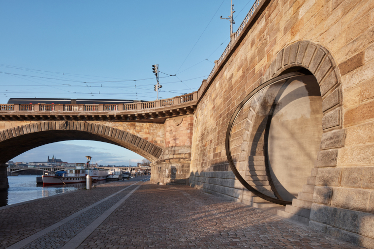 17_Petr_Janda_Brainwork_Prague_riverfront_Rasin_embankment_BoysPlayNice