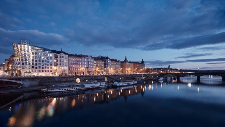 02_Petr_Janda_Brainwork_Prague_riverfront_Rasin_embankment_BoysPlayNice