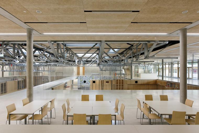 10_Entrances_and_Sport_Facilities_David_Boureau