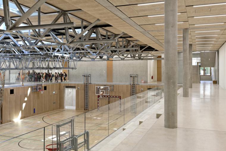 14_Entrances_and_Sport_Facilities_David_Boureau