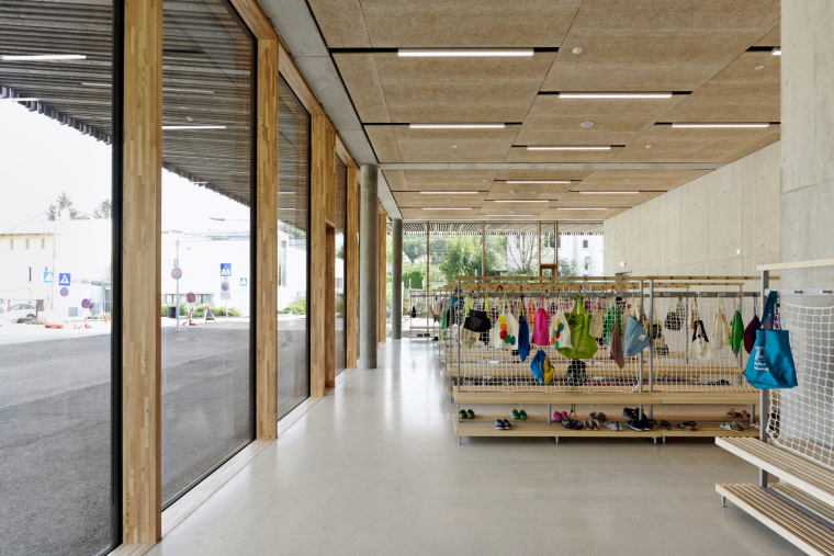 16_Entrances_and_Sport_Facilities_David_Boureau