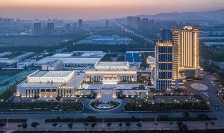 城市新客厅 | 清照文化中心 / 同圆集团