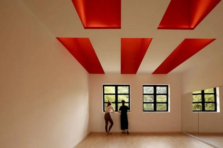 新作|喜提瑜伽馆:色彩再造与构件插入_1