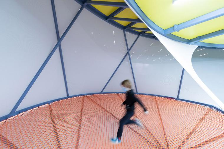 12-installation-beeline-by-so-il-architects