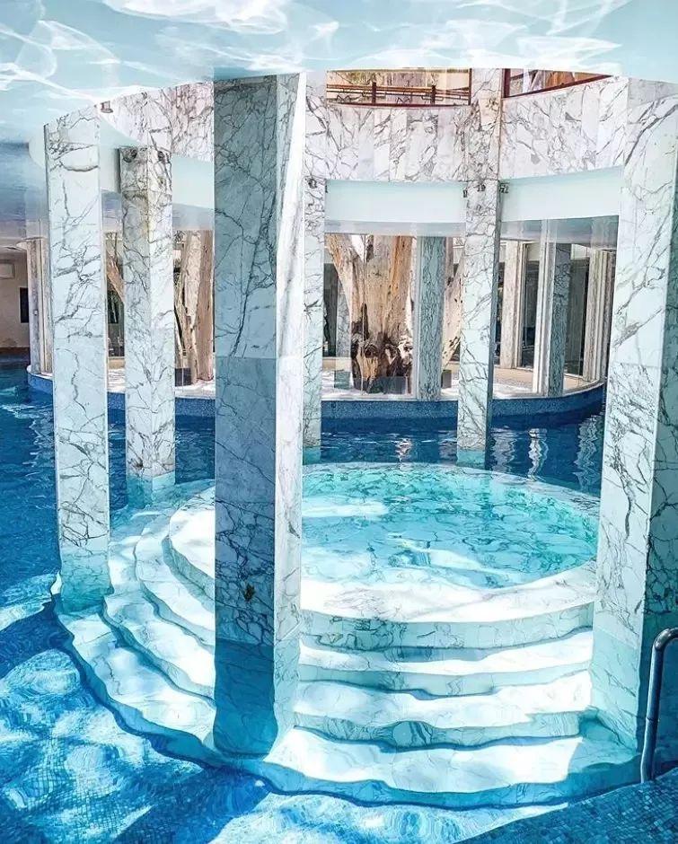 这设计才叫泳池,你那叫澡堂!_13