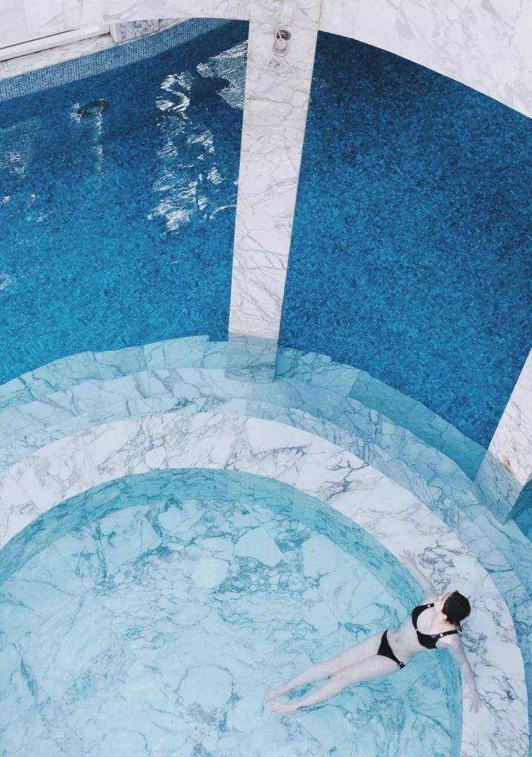 这设计才叫泳池,你那叫澡堂!_15