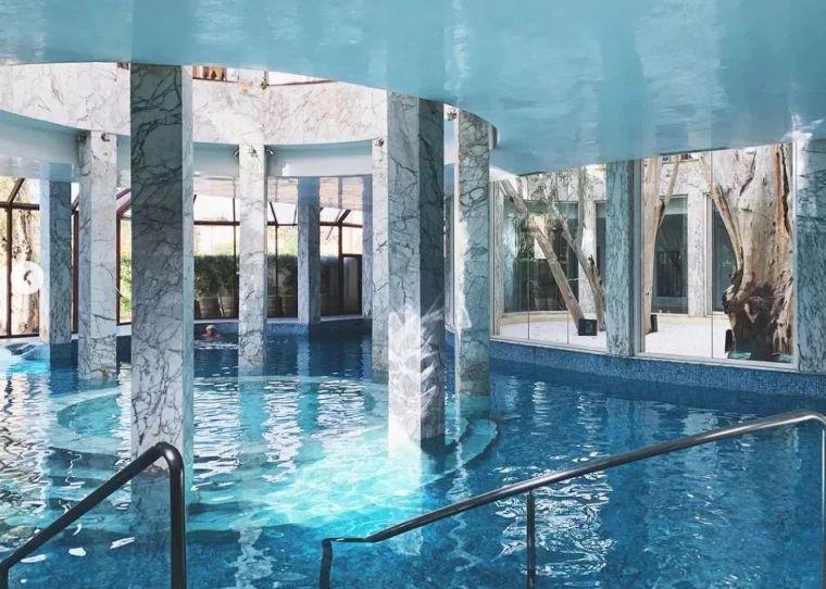 这设计才叫泳池,你那叫澡堂!_14
