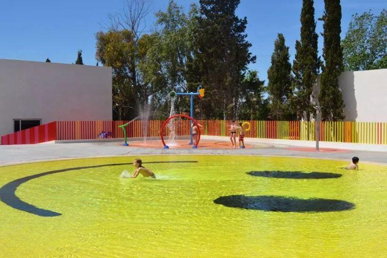 这设计才叫泳池,你那叫澡堂!_43