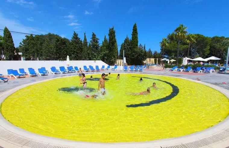 这设计才叫泳池,你那叫澡堂!_42