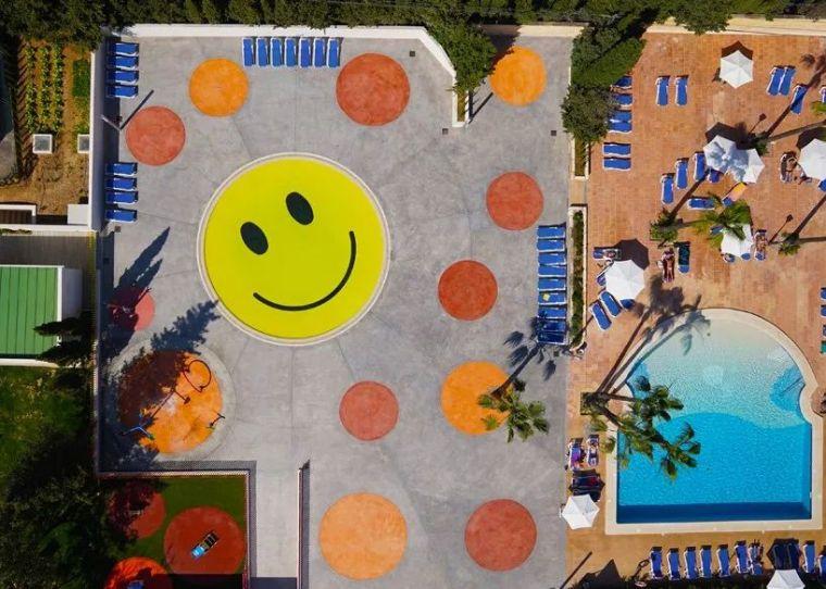 这设计才叫泳池,你那叫澡堂!_44