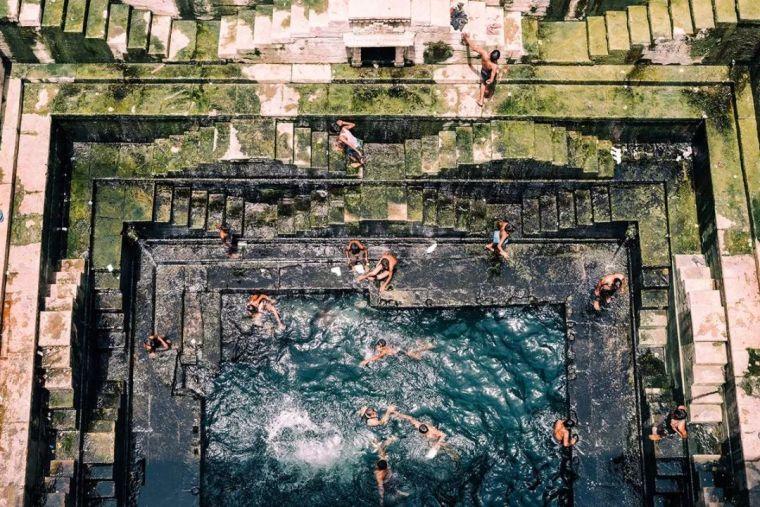 这设计才叫泳池,你那叫澡堂!_47