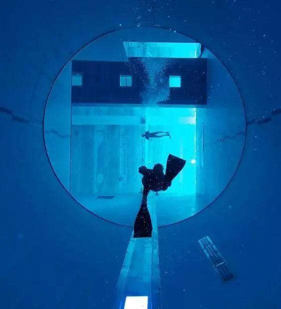 这设计才叫泳池,你那叫澡堂!_7