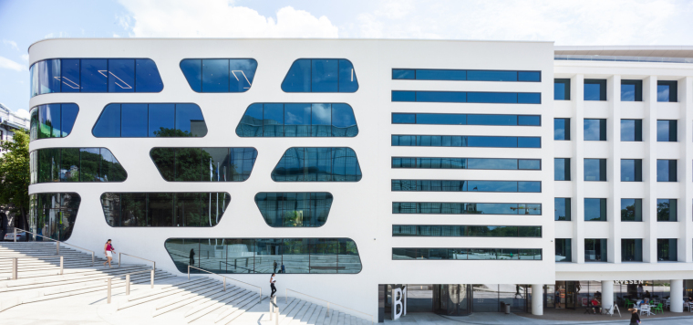Kaunas-V-Plaza-Urban-Design-Architecture-Corner-Building-