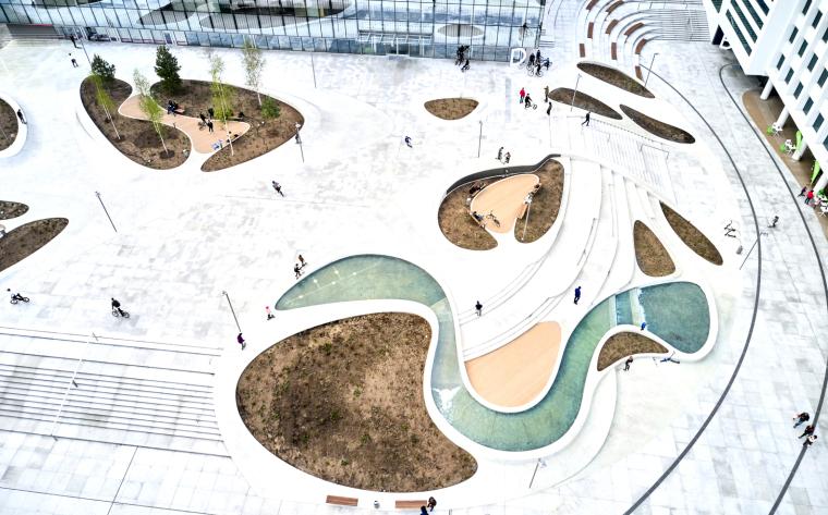 Kaunas-V-Plaza-Urban-Design-Architecture-Corner-Building-2255-Bearbeitet