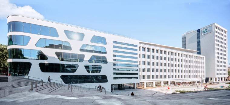 Kaunas-V-Plaza-Urban-Design-Architecture-Corner-Building-3529