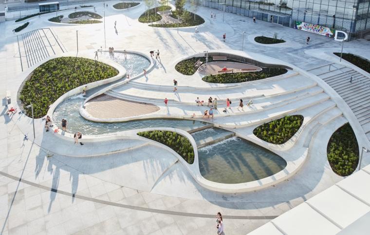 Kaunas-V-Plaza-Urban-Design-Architecture-Corner-Building-4335