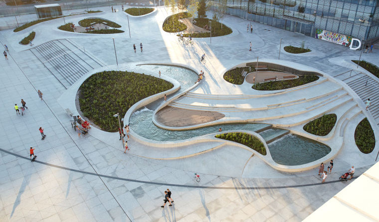 Kaunas-V-Plaza-Urban-Design-Architecture-Corner-Building-4722