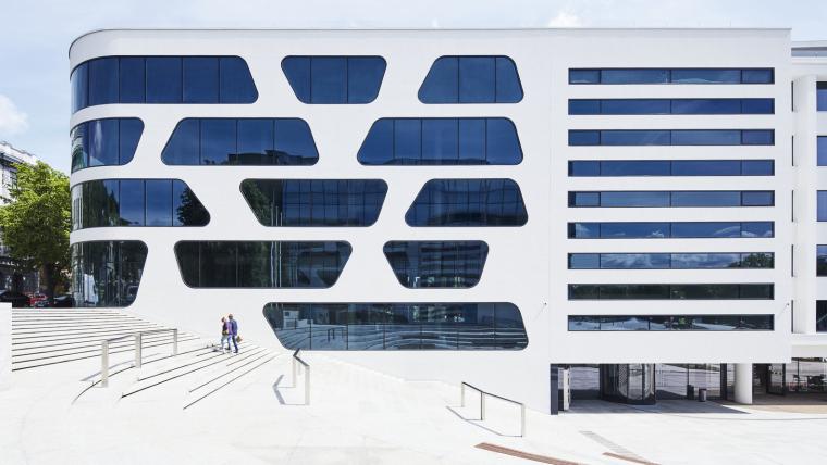 Kaunas-V-Plaza-Urban-Design-Architecture-Corner-Building-6125