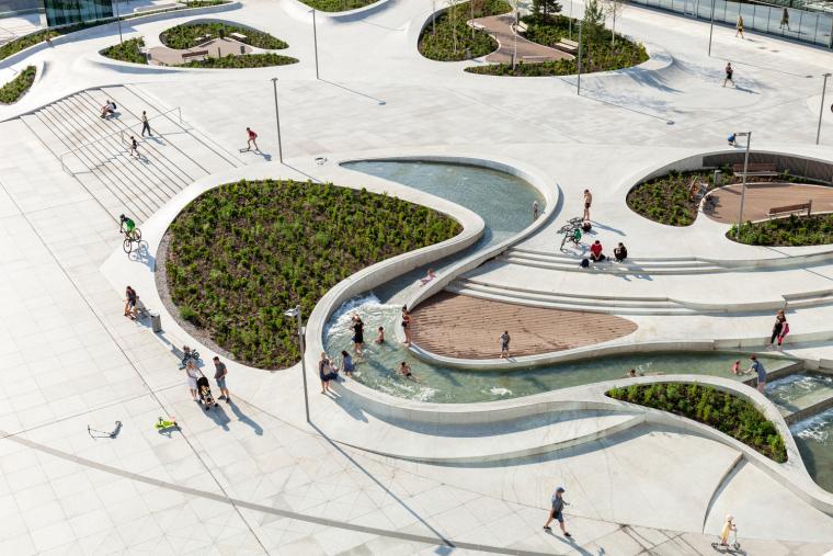 Kaunas-V-Plaza-Urban-Design-Architecture-Corner-Building-6434