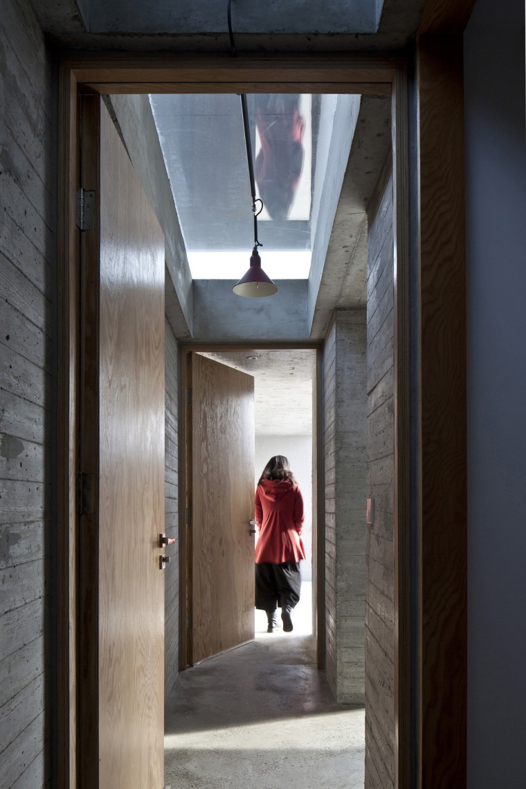d4 _The_corridor_at_east_end_of_the_builiding_Cheng_Zhi__调整大小.jpg