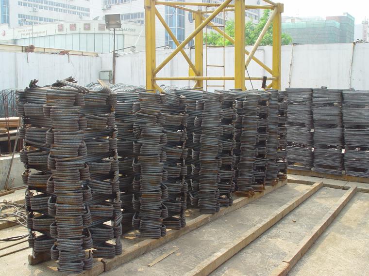 20套建筑工程安全施工组织设计-钢筋笼堆放