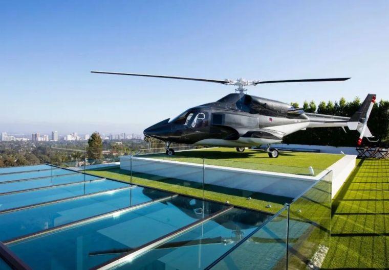 17亿的豪宅长啥样?买就送直升机加超跑?_43