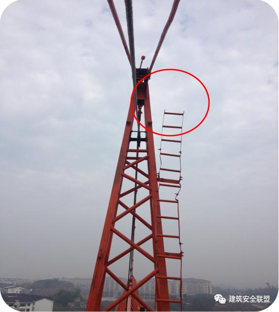 塔吊、施工电梯典型隐患照片分析_9
