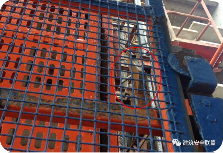 塔吊、施工电梯典型隐患照片分析_14