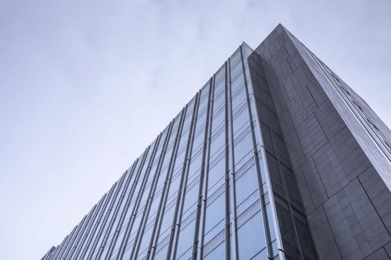 19高楼转角度仰视-金伟琦