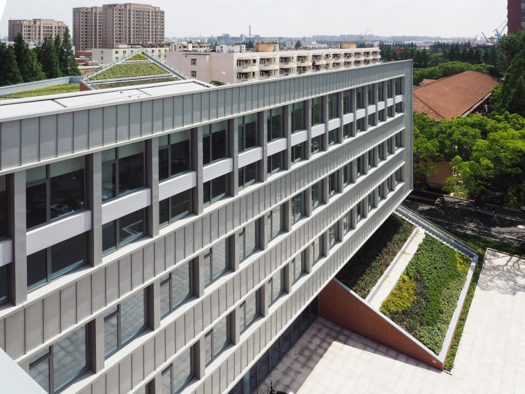7-international-cooperative-education-building-of-university-of-shanghai-for-science-and-technology-china-by-le-architects