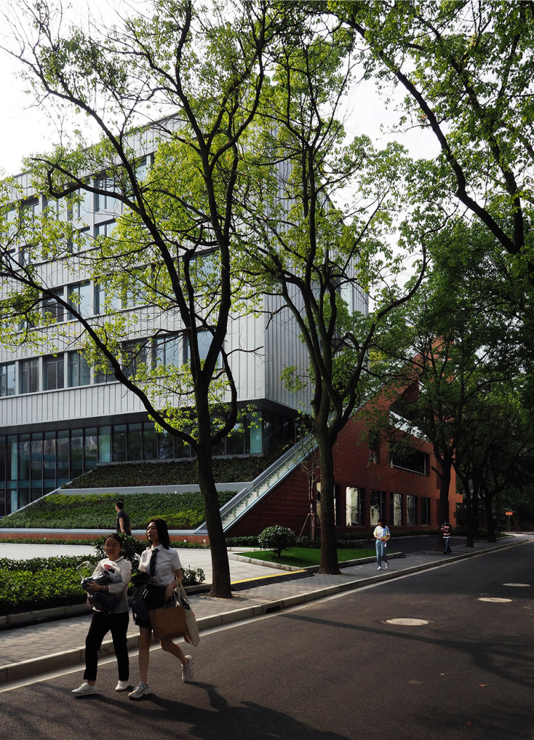 19-international-cooperative-education-building-of-university-of-shanghai-for-science-and-technology-china-by-le-architects