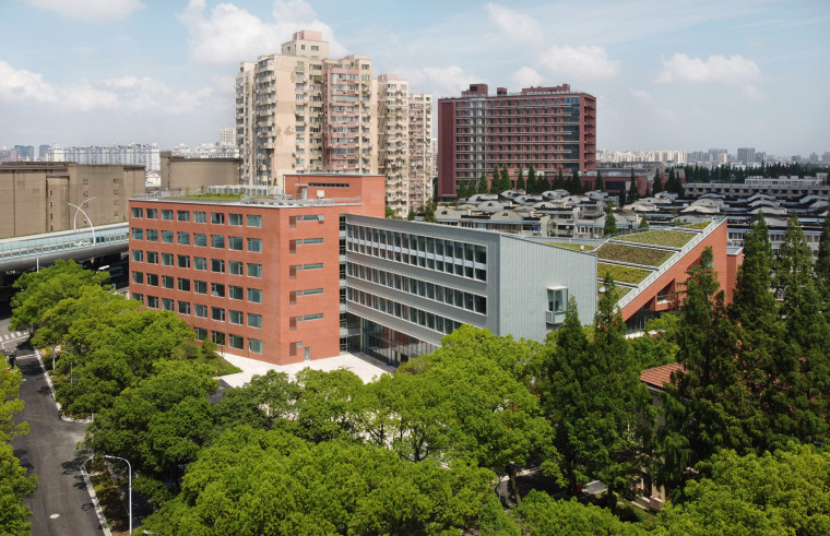 20-international-cooperative-education-building-of-university-of-shanghai-for-science-and-technology-china-by-le-architects