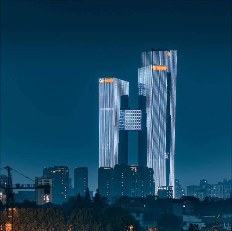 全球最高的三塔连体建筑_南京金鹰世界设计_2