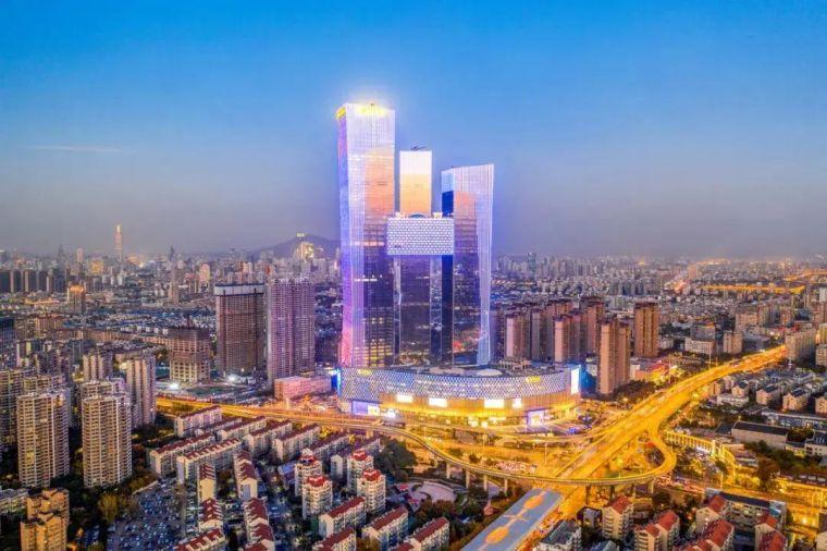 全球最高的三塔连体建筑_南京金鹰世界设计_4