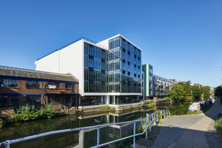 英国零碳办公楼落成,开启可持续设计新思路_7