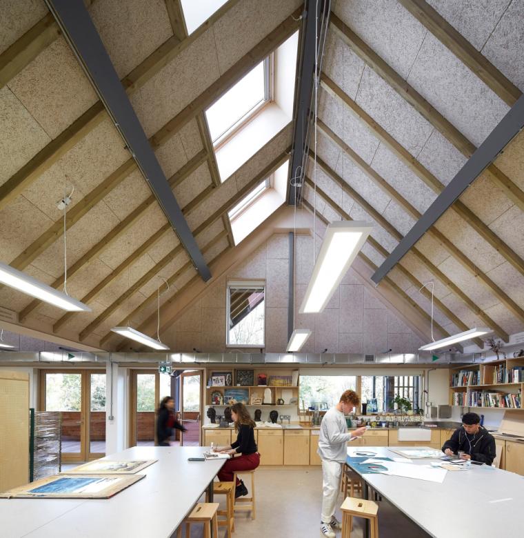英国零碳办公楼落成,开启可持续设计新思路_14