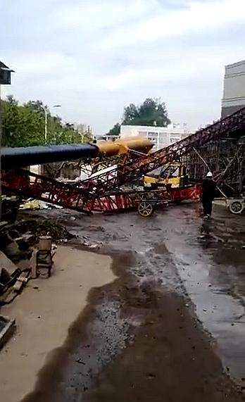 施工升降机运输安装及拆除有哪些危险源?_3
