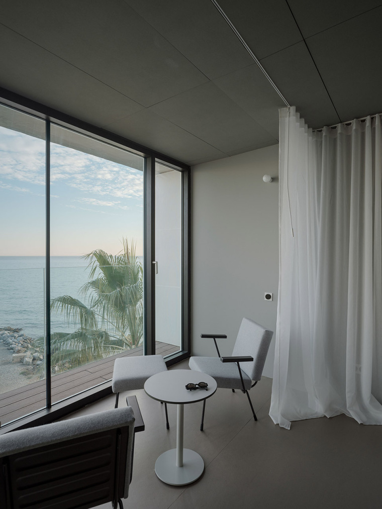 西班牙看向大海的住宅-14-A-room-with-a-sea-view_eg-arquitectos