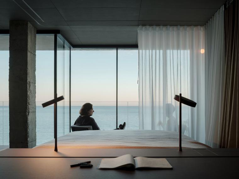 西班牙看向大海的住宅-15-A-room-with-a-sea-view_eg-arquitectos